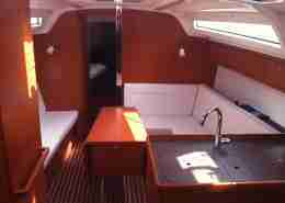 Bavaria 37 Cruiser salon overzicht