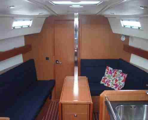 Bavaria 32 salon