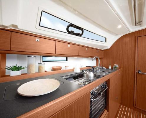 Zeilboot-huren-Bavaria-41-Cruiser-2016-keuken