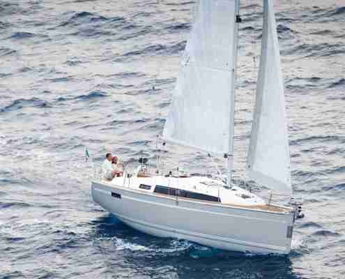 Bavaria-33-cruiser-buy-charter