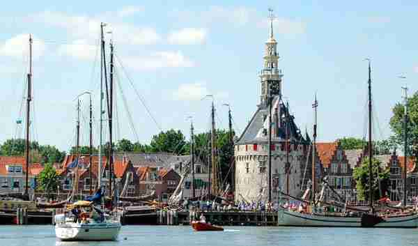 Haven Hoorn vanaf het water