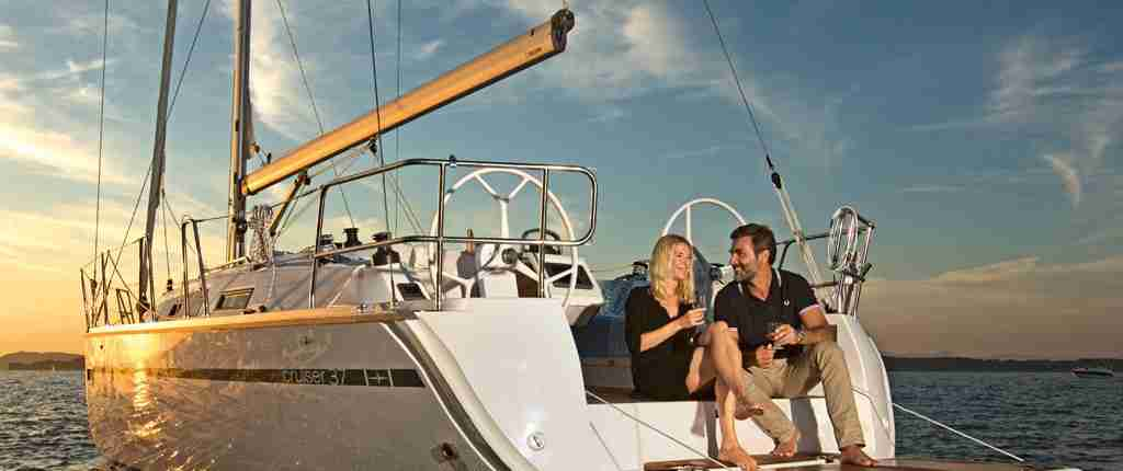 Bavaria-37-Cruiser-Buy-Charter