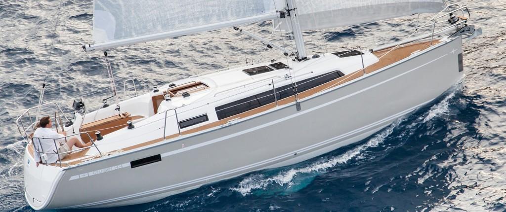Buy-Charter-Bavaria-33-Cruiser