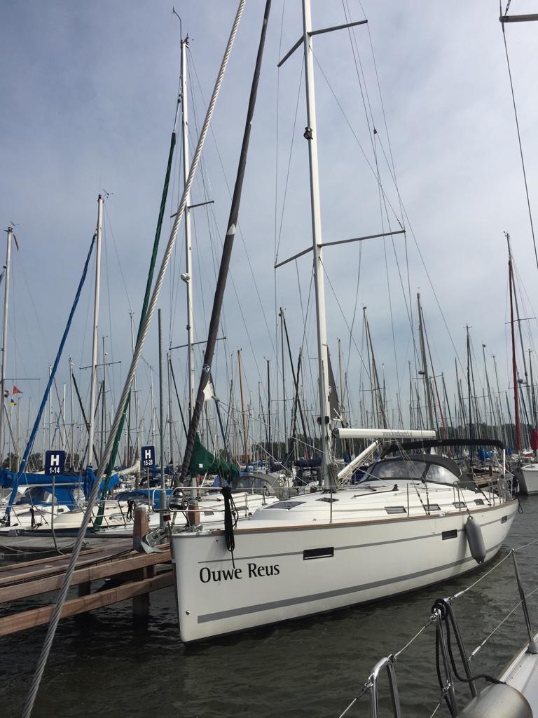 Bavaria 40 Cruiser zeiljacht Zeilbotenverhuur Windkracht 5